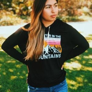 Tops - LIFE IS BETTER IN THE MOUNTAINS HOODIE